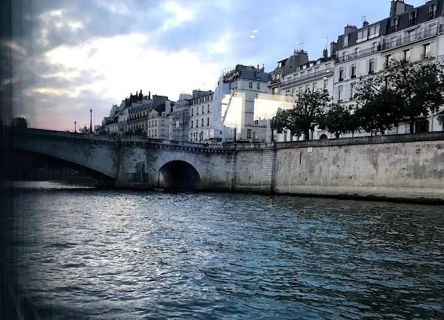 Le diner croisière sur la Seine, un bon moment en amoureux !