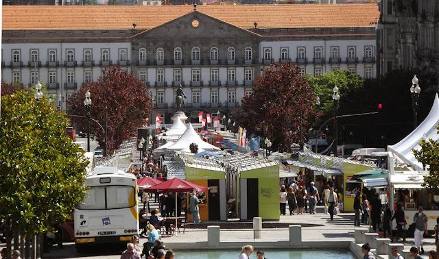 Feira do Livro do Porto na Avenida dos Aliados