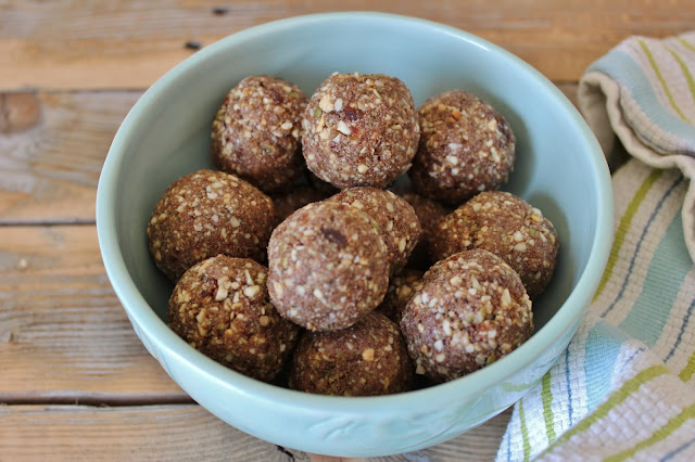 Easy No-Bake Chocolate Protein Balls - Clean and Gluten-Free