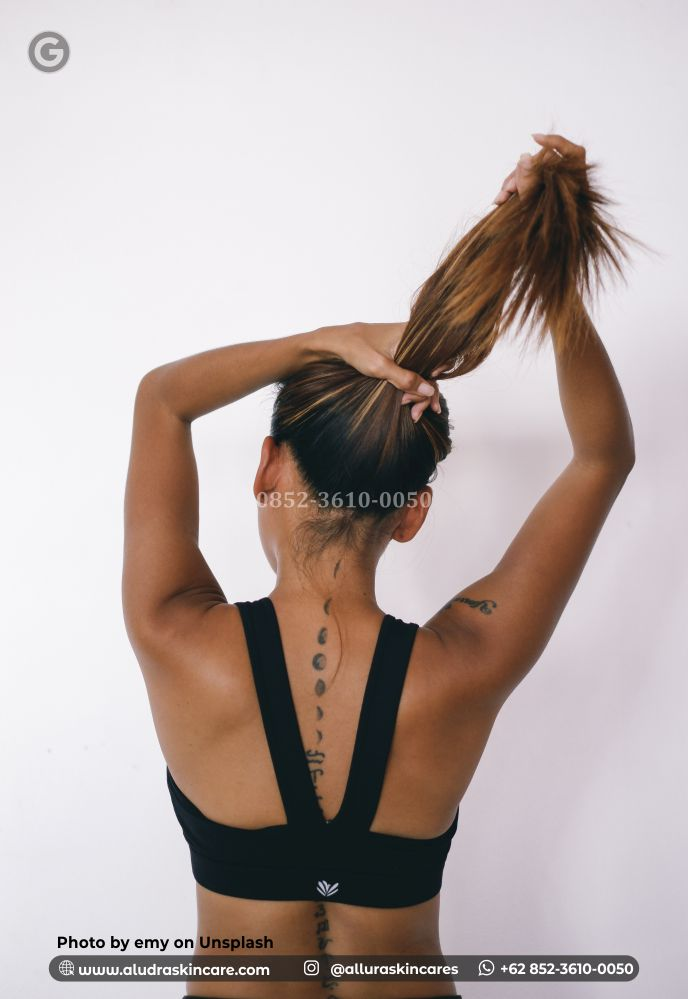 WAJIB TAHU!!! Penyebab dan Cara Mengatasi Rambut Rontok Pada Remaja