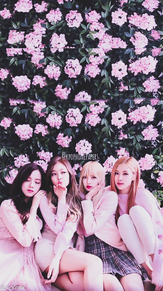 Kpop Artists Spend A Lot Of Time Caring For Their Appearance Blackpink Hair Style Blackpink Fanbase