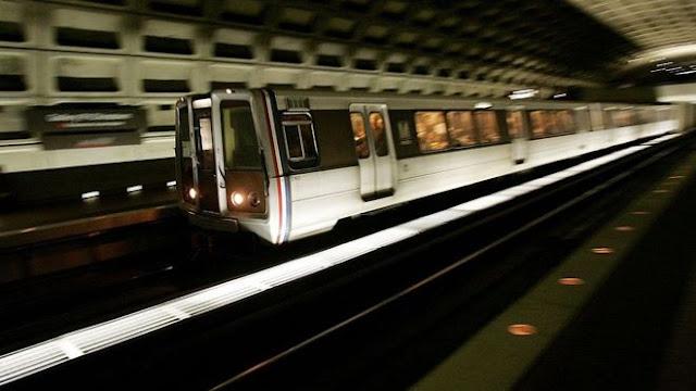Do aeroporto de Washington até o centro turístico de ônibus e metrô