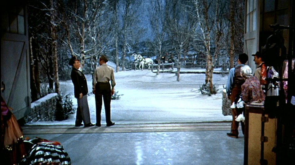 phyllis loves classic movies it 39 s snowing making. Black Bedroom Furniture Sets. Home Design Ideas