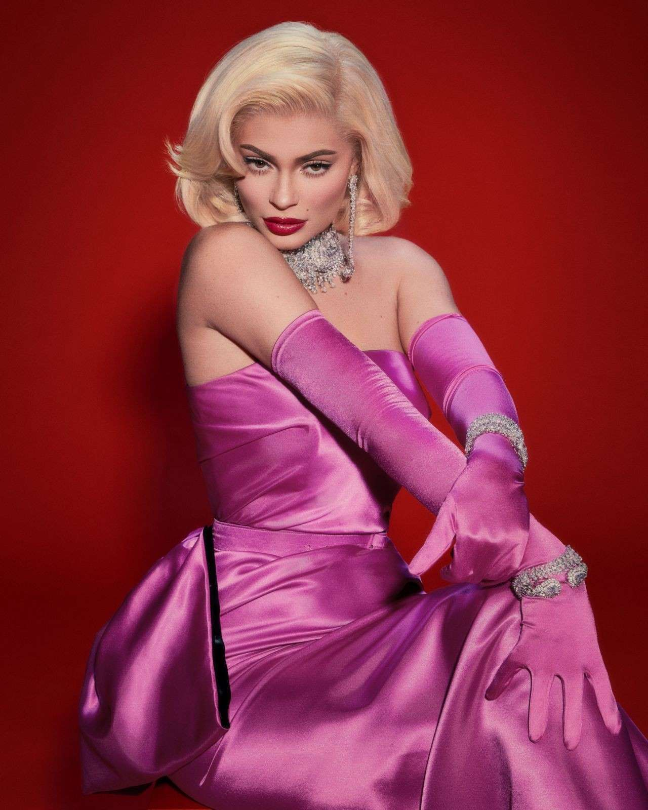 Kylie Jenner Marilyn Monroe Style Latest Photoshoot
