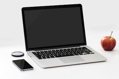 5 Keunggulan Membeli Laptop dari Rumah di Toko Komputer Online