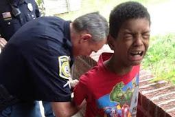 Anak Ini Ditangkap Polisi Karena Memukul Nyamuk Di Kening Ayahnya Dengan Cangkul, Ini Faktanya...