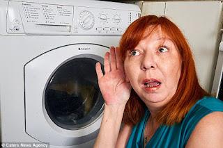 Ibu yang tergila-gila dengan mesin cucinya