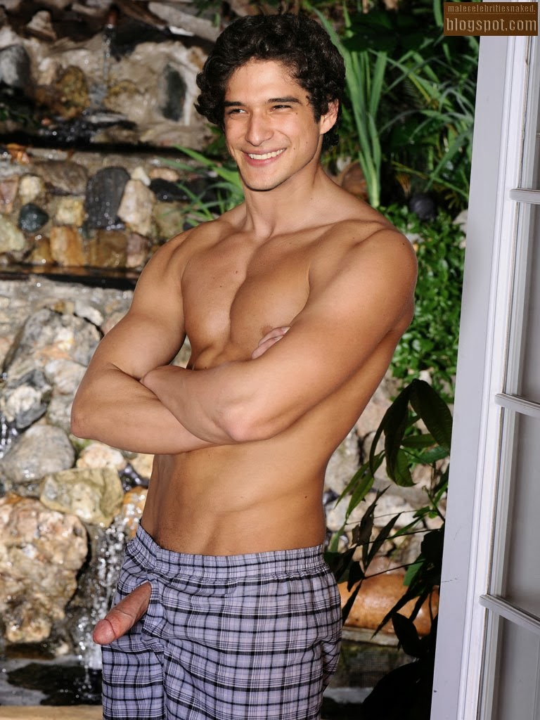 Tyler Posey Nude