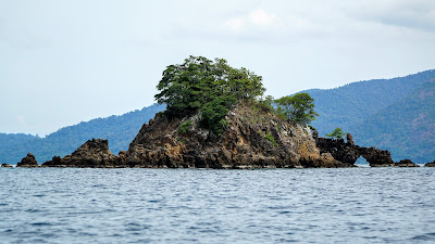 Spotted this peculiar islet on the way to Koh Hin Ngam