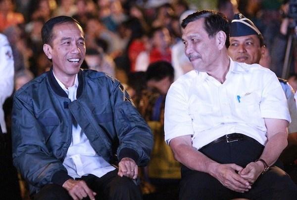 Luhut Ngaku Diperintah Jokowi Tangani COVID-19 di Sejumlah Provinsi Termasuk Jakarta