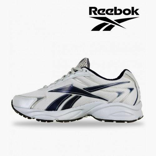 d5ee80b44a2b6b Dealsothon Online  Put On Reebok Light Runner Shoes   1999 -
