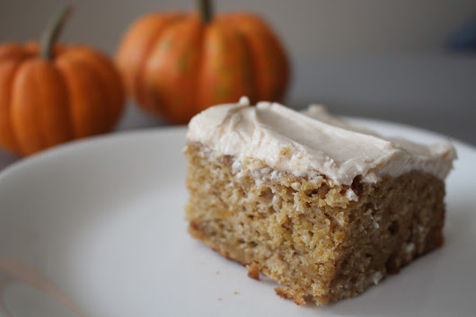 MangiaMore: PUMPKIN cake with cream cheese frosting
