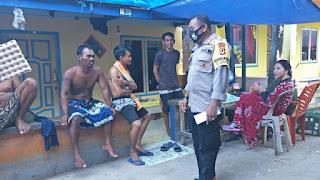 Bhabinkamtibmas Pulau Barrang Caddi Rutin Imbau Warganya Cegah Covid-19