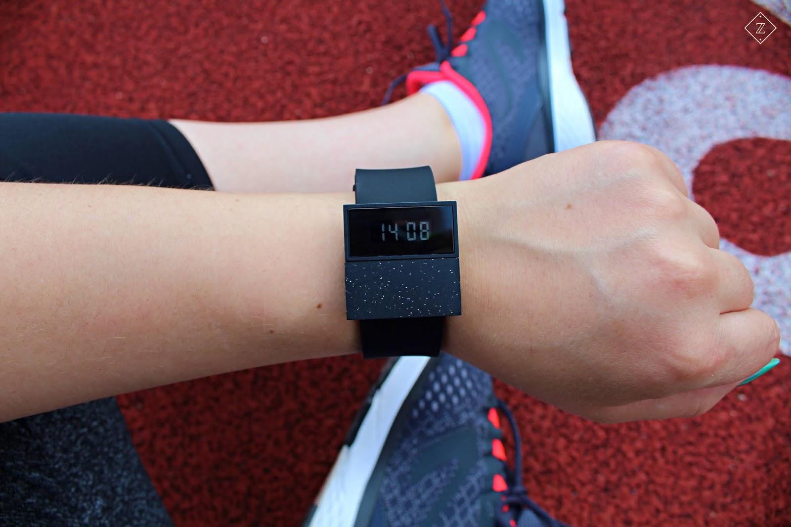 TINT WATCHES - zegarek z przesłaniem