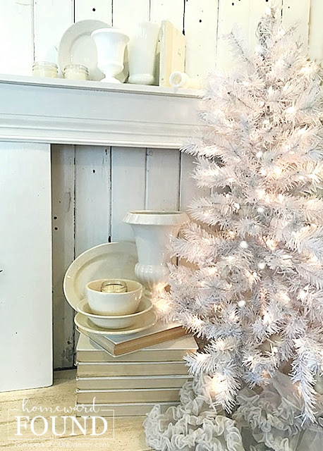 Christmas, Christmas decorating, Christmas tree, Christmas tree lights, Christmas lights, Christmas decor, lighting, stylist secrets, decorator tips, holiday decor, holiday, diy holiday decor, diy, diy home decor, diy decorating, tree lights, December decor, winter holiday decorating, winter holidays, tree lighting tips