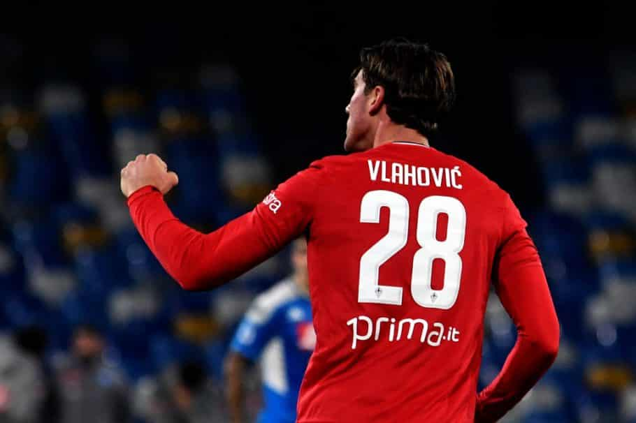 Arsenal and Tottenham handed boost in Vlahovic chase