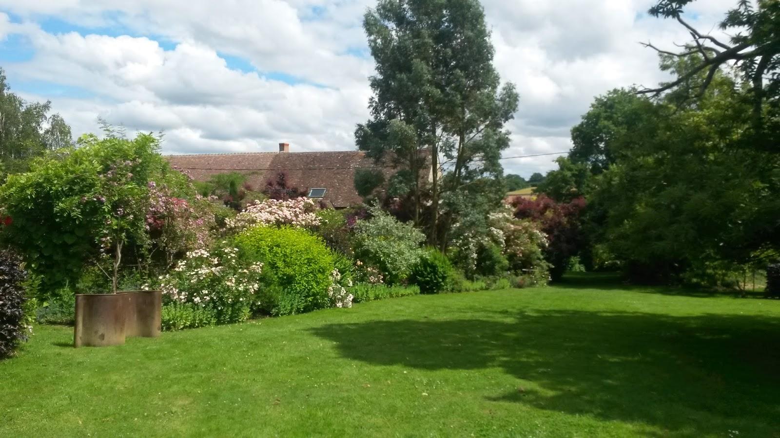 Nibelle et baudouin le jardin de marie dans le berry - Jardin champetre rustique lyon ...