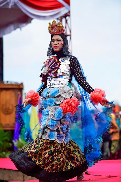 model-bangka-belitung-baju-daur-ulang