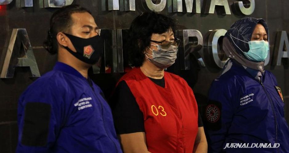 Polisi berhasil menangkap dua pelaku pencemaran nama baik terhadap Ahok