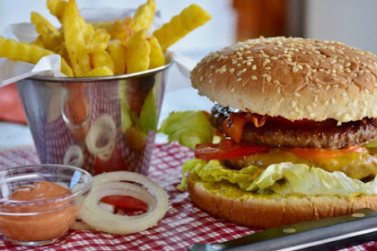 4 Tips Mudah untuk Mengurangi Ketagihan Jajan Junk Food