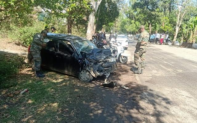 शादी से लौट रहे परिवार की कार दुर्घटनाग्रस्त, पति-पत्नी की मौत, 2 बच्चों सहित 4 घायल