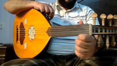 تعلم النوتة الموسيقية بالحروف عزف اغنية - ثلاث دقات - على العود للمبتدئين بالتفصيل الجزء الاول