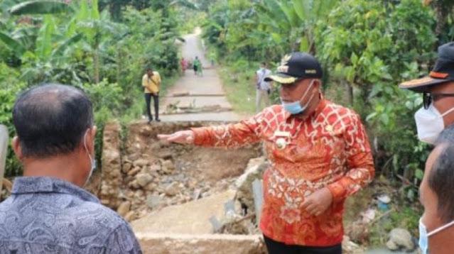 Warganya Tewas Akibat Jembatan Runtuh, Ini Reaksi Bupati Lampung Selatan