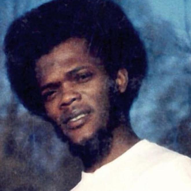 Samuel L. Jackson in 1969 : 大学の方針に不満を抱き、評議員会のメンバーを人質にとって、交渉し、校内の改革を実現したものの、監禁の罪で有罪を食らっていた過激な20歳の若者のサミュエル・L・ジャクソン ! !