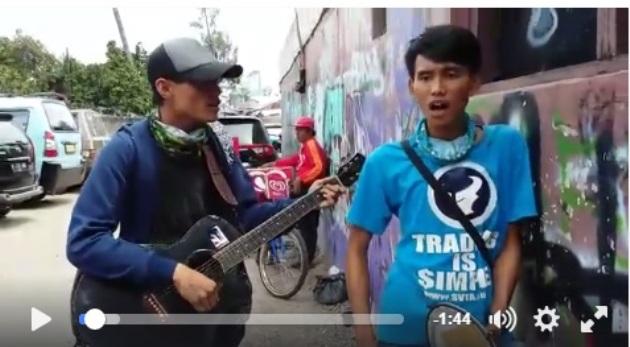Heboh! Video Lagu Pengamen Sindir Ahok Tersangka tapi Tetap Maju Pilkada