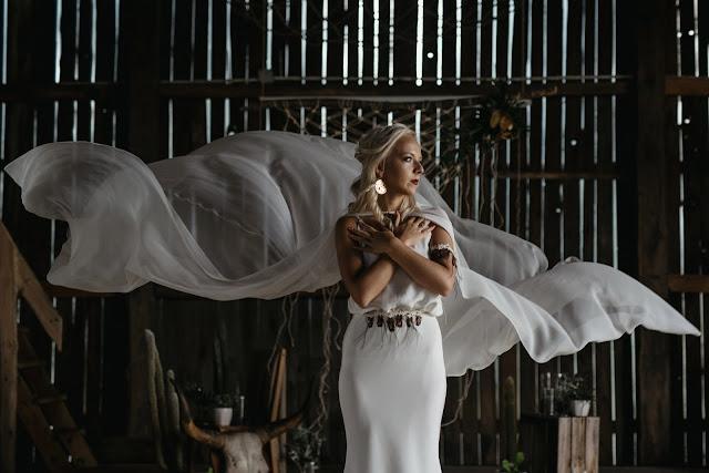 Rustykalna suknia ślubna.