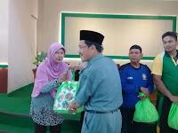 Kankemenag Kab. Semarang Bagikan Paket Sembako Bagi Pasukan Kuning