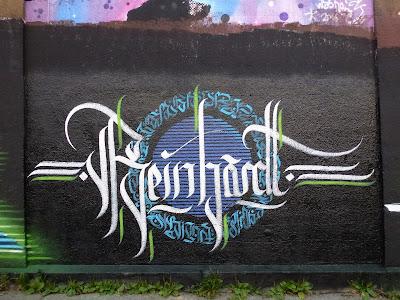 Feines Graffiti aus der Ecke: Kalligrafie an der Tumblingerstraße in München