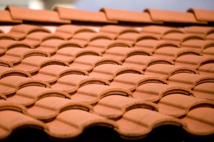 genteng keramik dengan tenaga surya