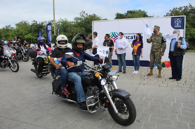 Con ofrenda floral, Yucatán conmemora el Día del Motociclista