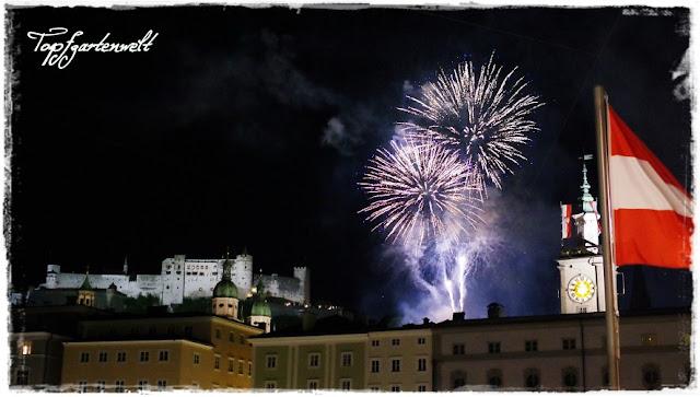 Gartenblog Topfgartenwelt Jahreswechsel: Feuerwerk Stadt Salzburg Blick auf Hohensalzburg