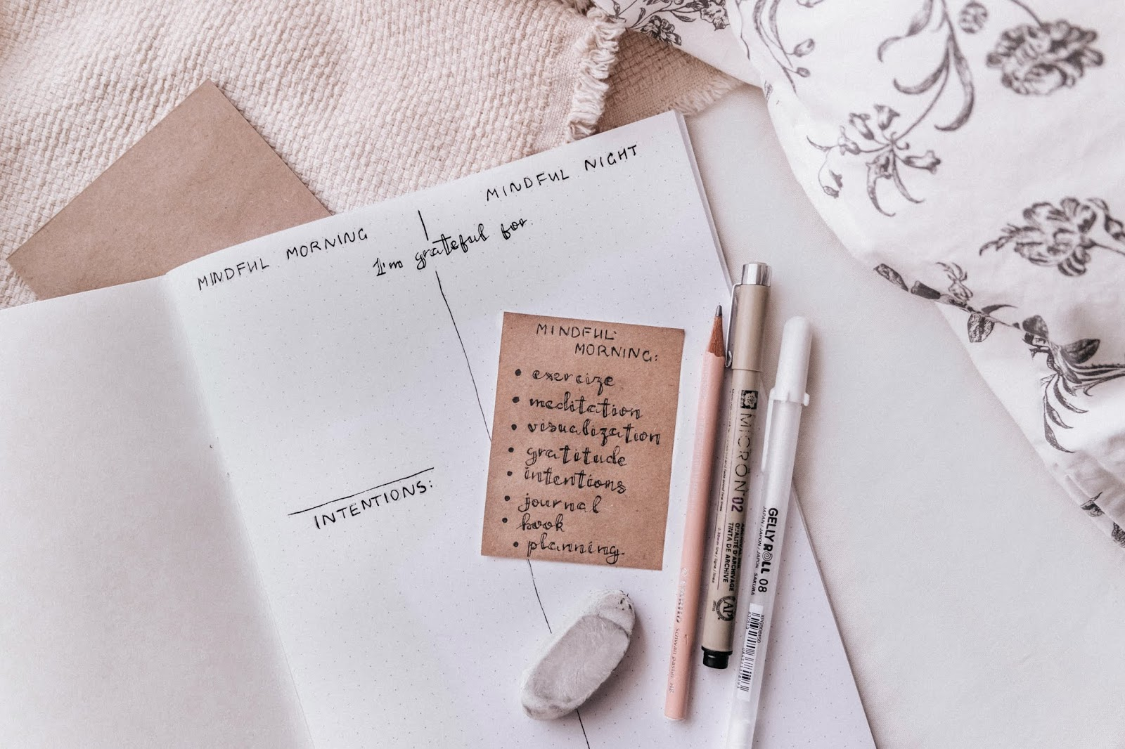 Little DIY: create mindful journal with me & what benefits
