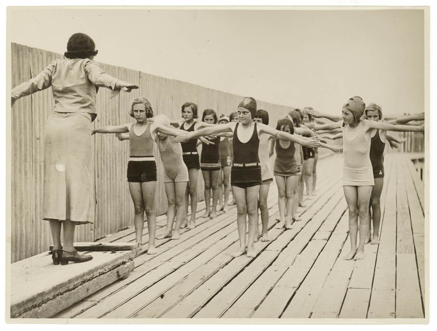 245aa24b29f Funny Photos of Beach's Life in Australia in the Past ~ vintage everyday