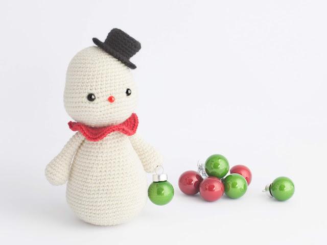 amigurumi-snowman-free-patter-crochet-muneco-nieve-patron-gratis