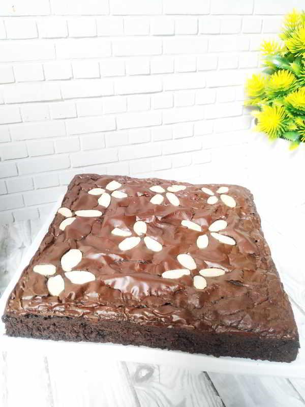 Tips Sukses Agar Brownies Punya Lapisan Shiny Crust Serta Bertekstur Fudgy