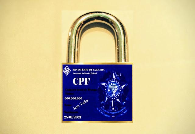 A foto mostra o cadeado que significa segurança, mas no Brasil não! Ninguém tem privacidade, 222 milhões dados vazados a partir do CPF : Cadastro Geral de Pessoas Físicas, imagem, é meramente ilustrativa, sem valor e está a inscrito a marca: Sem Valor.