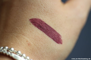 Review: 9 Bloggers Favourites von CATRICE - Ultimate Matt Lipstick Swatch - www.annitschkasblog.de