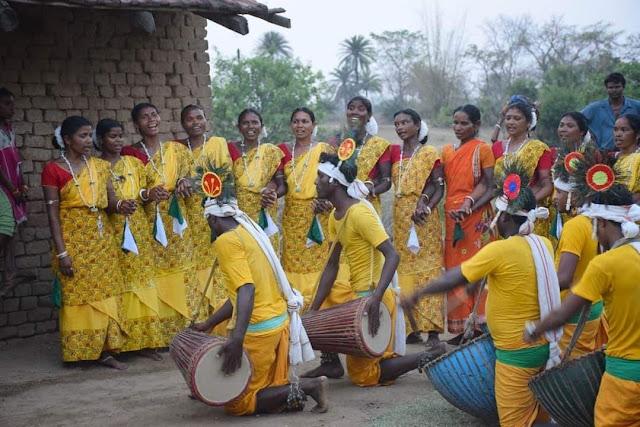 Santhal dance image