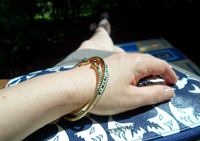 Arrow bangle, Marc Jacobs Logo Bangle, Shark Print Clutch || Funky Jungle, fashion & personal style blog