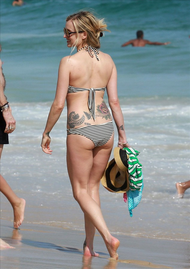Celebrity in bikini 2016 FEARNE COTTON