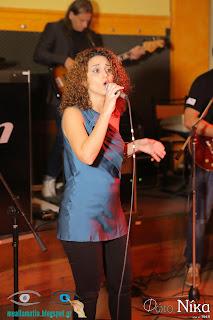 Η Ειρήνη Κοξαράκη στο τραγούδι