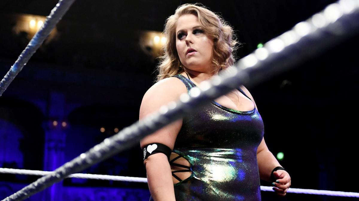 Piper Niven faz sua estreia no WWE RAW com Eva Marie