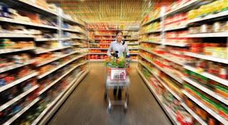 Τα επώνυμα προϊόντα κερδίζουν τη μάχη με την ιδιωτική ετικέτα στα σούπερ μάρκετ