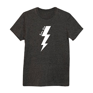 Super dad t-shirt in a dark grey with a white lightening bold and super dad text from Ada and Alfred