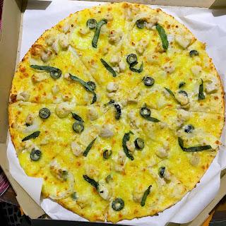 Yellow Cab Chicken Alfredo Pizza