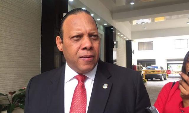 Diputado denuncia PN cobra por designar directores regionales